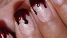 Easy Halloween Manicure: Tutorial