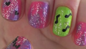 Find This Nail Art to Win 3000 DEEZ!