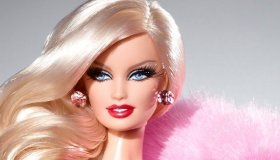 Awesome Dolls: Barbie Vs Monster High