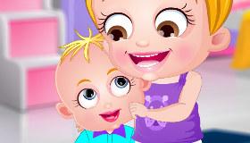 Baby Hazel Siblings Day